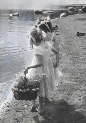 Friendship - Girls at Lakeside - Set of 6