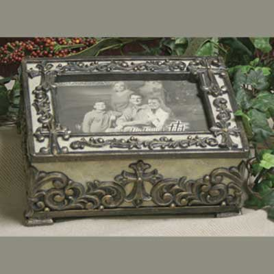 Music Box with Photo Frame - Plays :