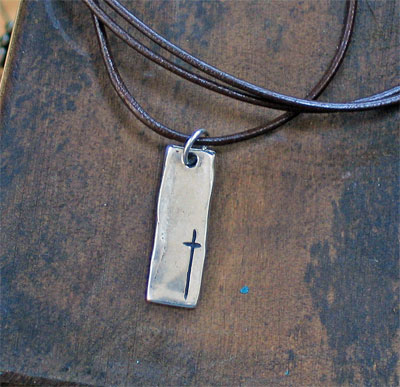 Simply Him Narrow Cross Pendant