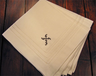 Black Wrought Iron Cross Dinner Napkins – Set of Four