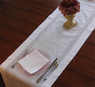 Cross & Dinner Blessing PlaceMat/Runner – White