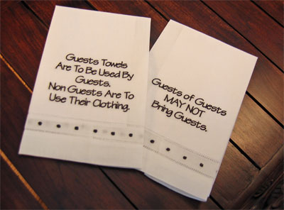 'Guests' Guest Towels – Set of Two